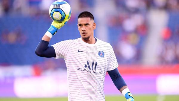 Brankář PSG Alphonse Areola